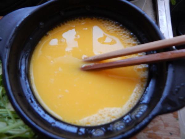芹菜叶蒸鸡蛋怎么吃