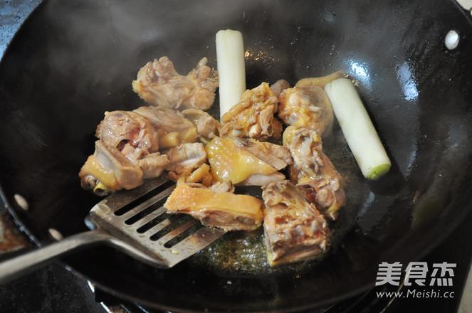 板栗烧鸡的简单做法