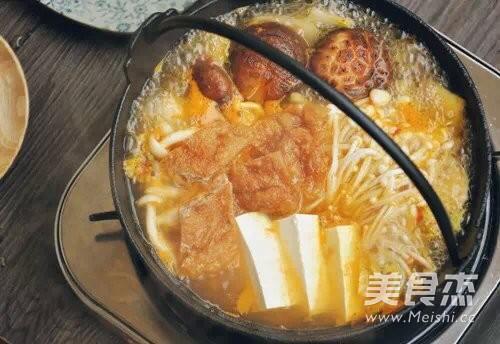 菌菇牛肉暖锅的简单做法