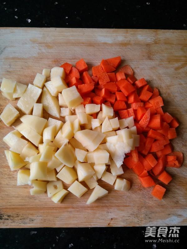 土豆排骨焖饭怎么吃