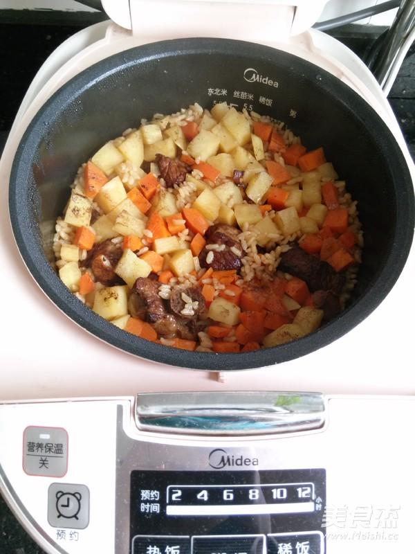 土豆排骨焖饭怎么煮