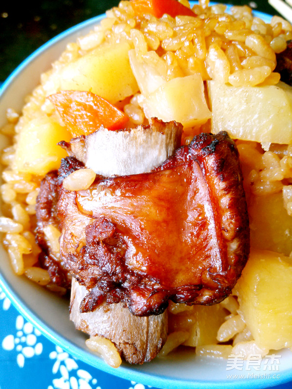 土豆排骨焖饭成品图