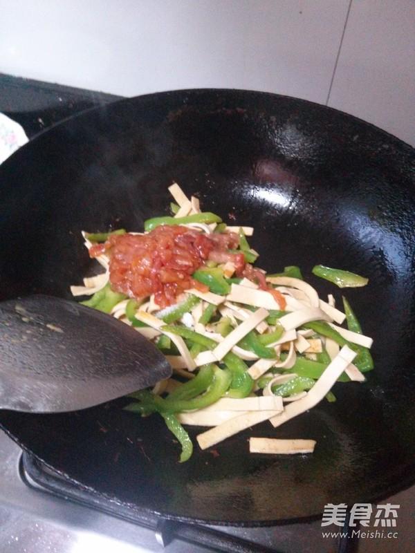 青椒炒千张的家常做法