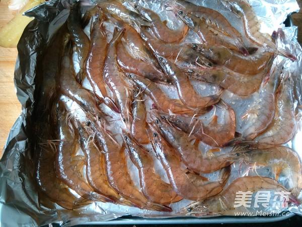 黑胡椒烤虾怎么吃