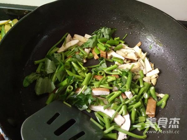 豆腐干炒空心菜怎么吃