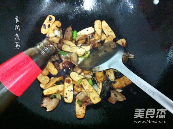蒜香豆干五花肉怎么煮