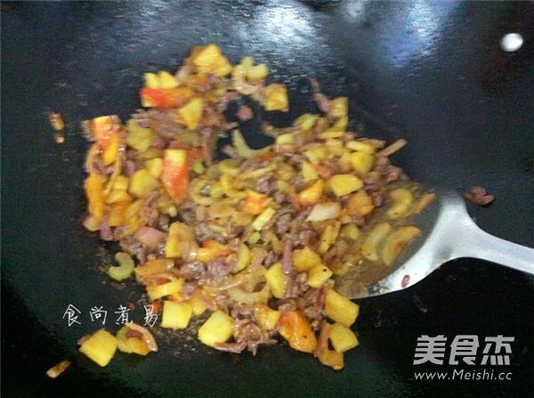 黑椒牛肉芝士焗饭怎么炒
