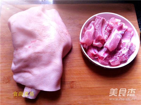 猪皮焖排骨的做法大全