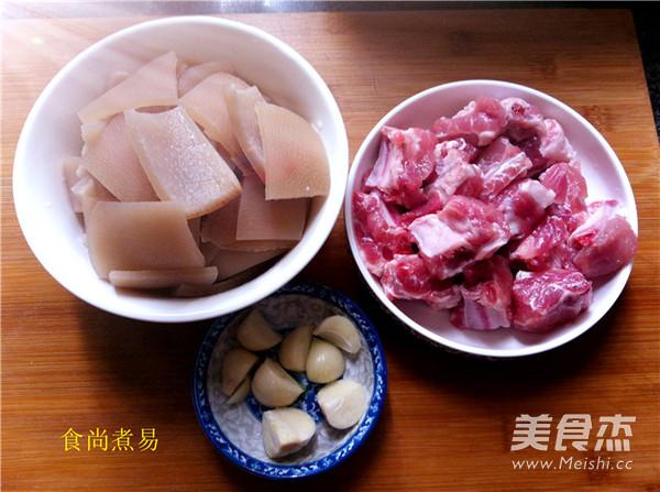 猪皮焖排骨怎么吃