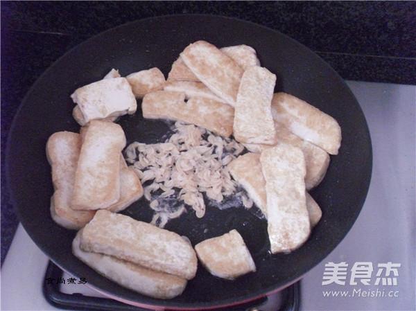 韭菜虾皮烧豆腐怎么做