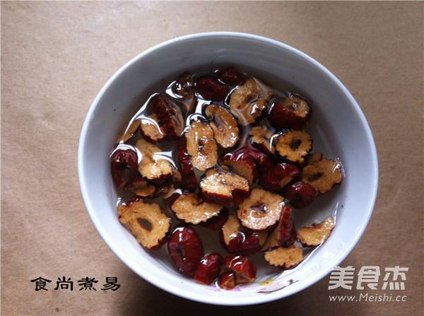荷叶红枣减肥茶的家常做法
