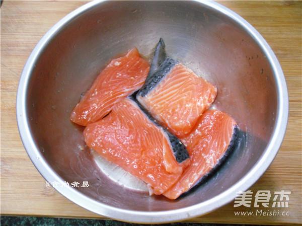 干煎三文鱼的家常做法
