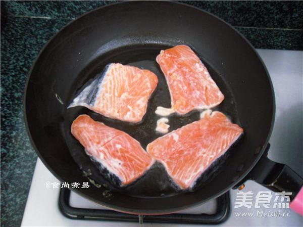干煎三文鱼怎么做