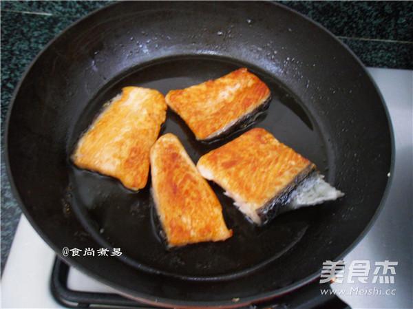 干煎三文鱼怎么炒