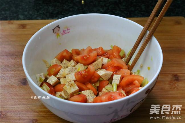 芋香腊肉番茄煲仔饭怎么煮