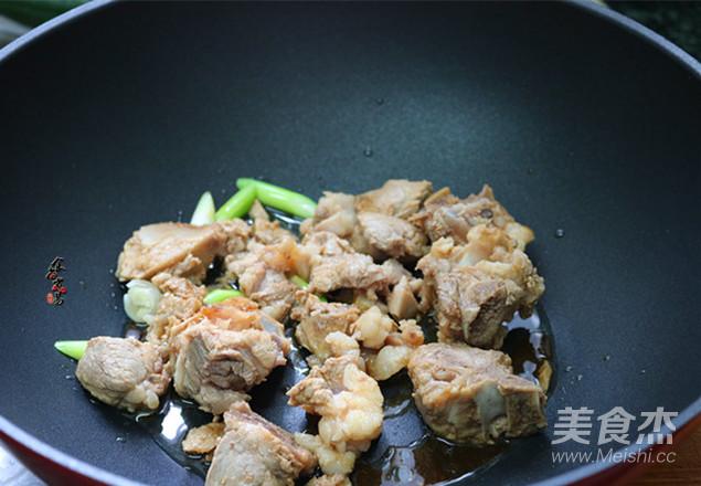 香辣干锅排骨怎么吃