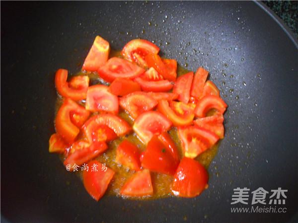番茄炖牛肉怎么炒