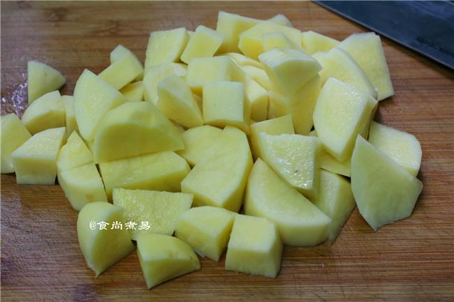 土豆焖排骨的做法大全