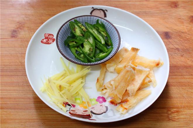五花肉咸鱼煲仔饭的家常做法