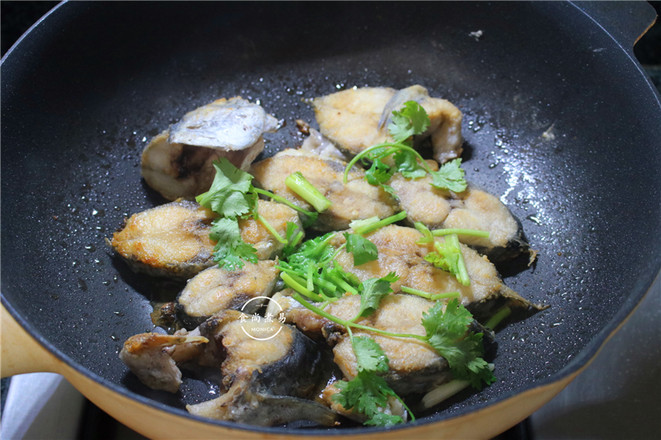 干煎马鲛鱼块怎么吃