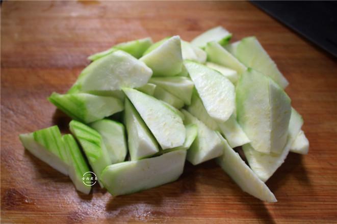 丝瓜瘦肉冬菇汤的家常做法
