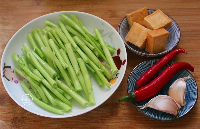 空心菜梗炒鱼豆腐的做法大全