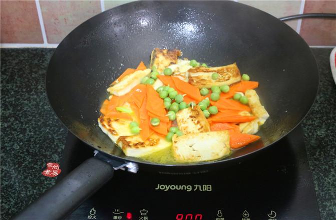 胡萝卜煎焖豆腐的简单做法