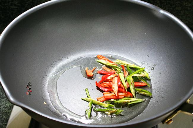 黄豆芽炒卤水猪大肠怎么煮
