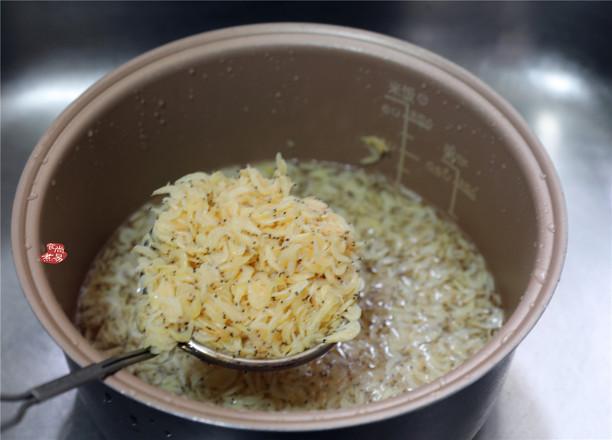 虾皮香菇鲜肉馄饨的家常做法