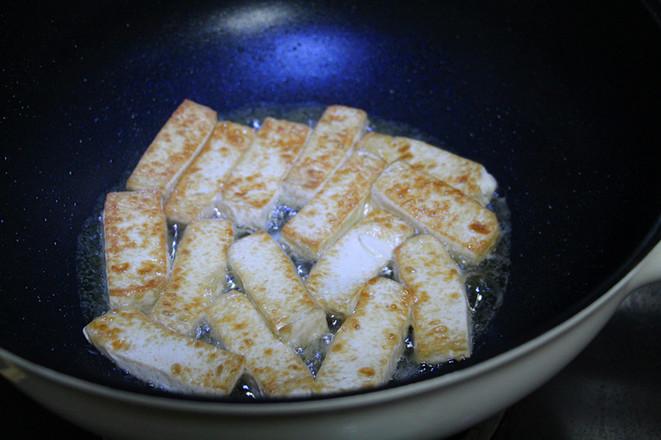 鸡蛋煎豆腐怎么炖