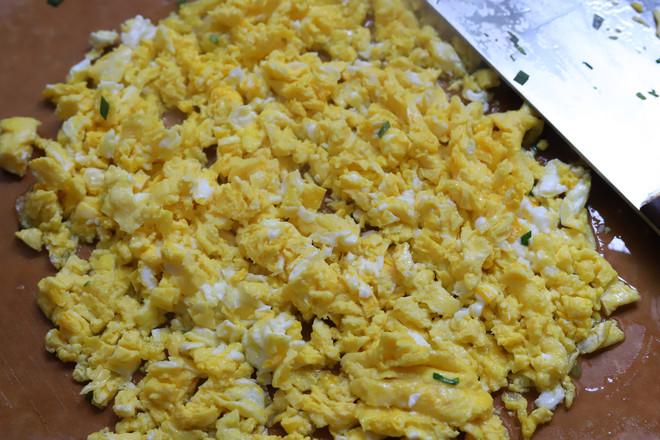 韭菜鸡蛋粉丝包子怎么炒