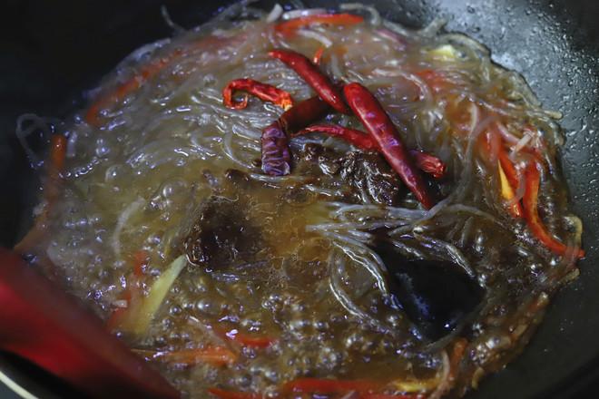 红薯粉丝炒豆芽的步骤