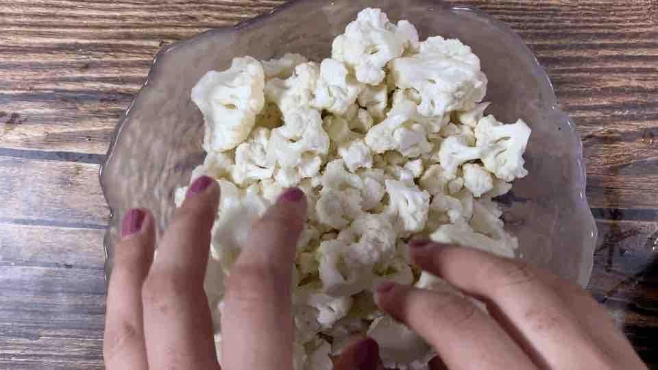 干锅花菜,这样做既简单又好吃,一分钟就能学会它的家常做法