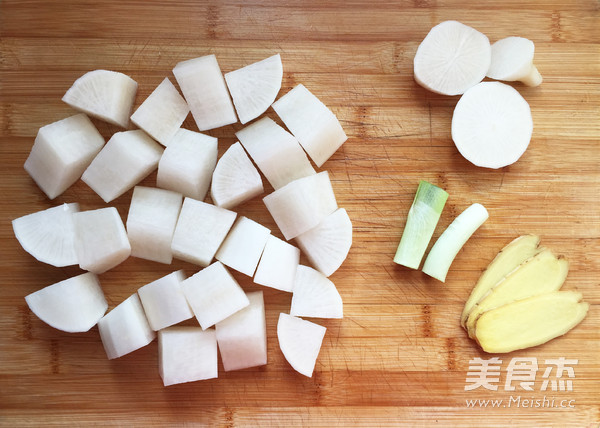 白萝卜炖羊肉的家常做法