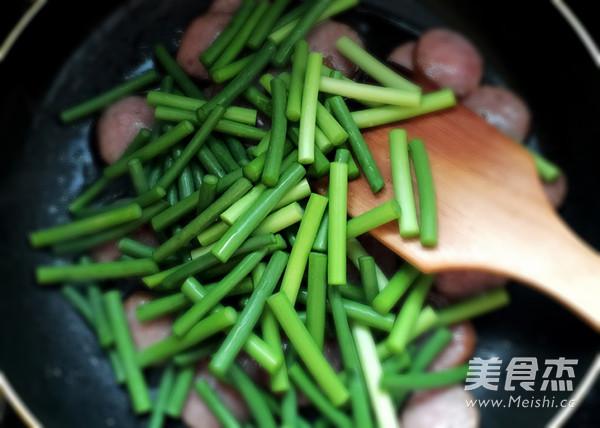红肠炒蒜苔怎么吃