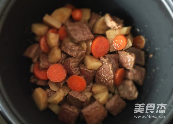 咖喱土豆炖牛肉怎么炖