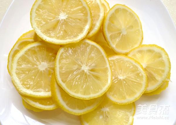 柠檬蜂蜜水的简单做法