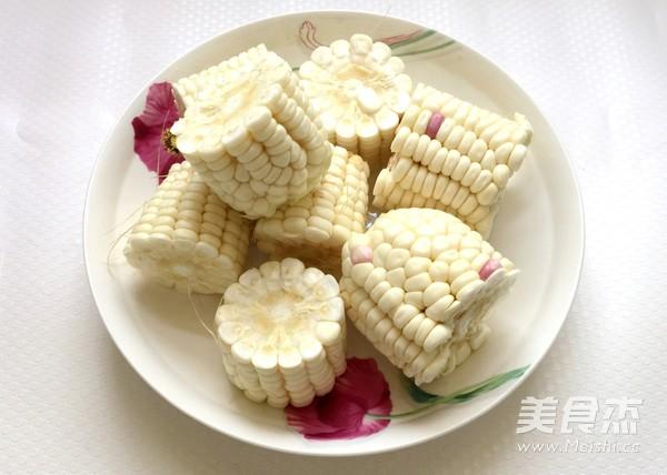玉米炖排骨的步骤