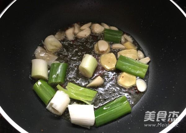 麻辣水煮鱼怎么做