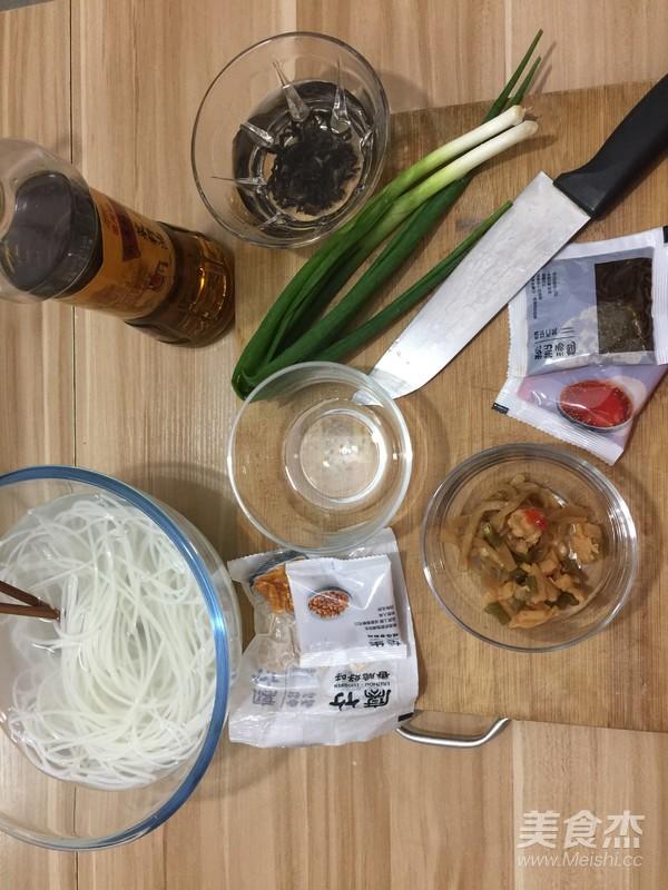 炒螺蛳粉的简单做法
