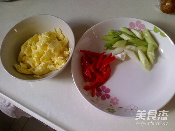 卷心菜炒米粉的做法图解