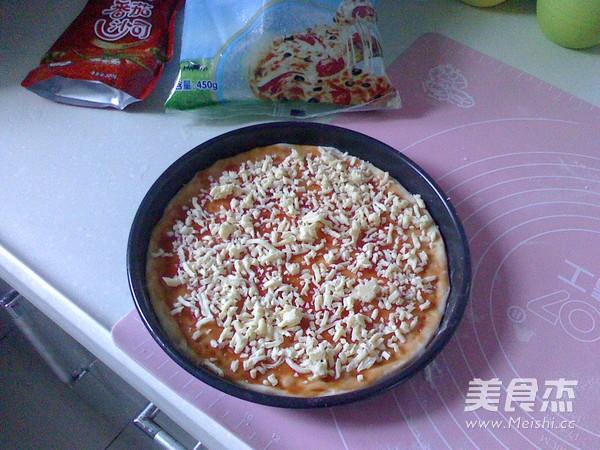 腊肠披萨的步骤