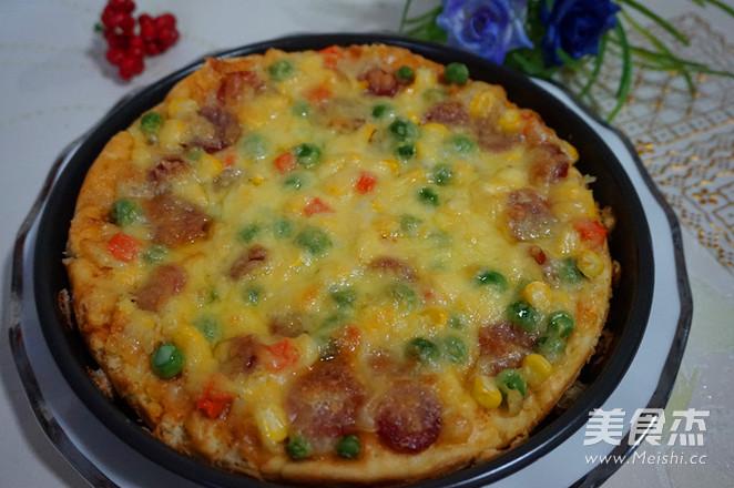 腊肠披萨成品图