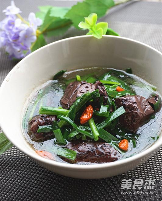 韭菜猪红汤成品图