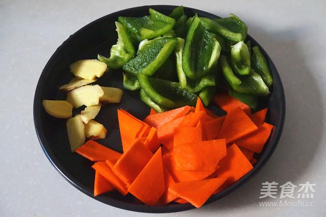 五花肉炒菜椒的做法图解