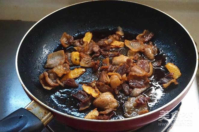 五花肉炒菜椒的简单做法