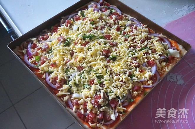 腊肠披萨怎么做