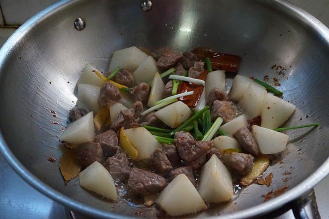 萝卜炖牛肉的步骤