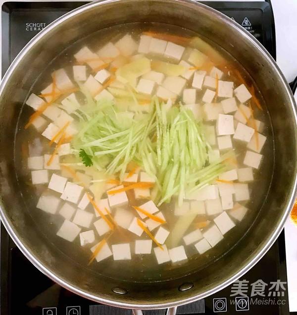 无油胡萝卜瓜丝豆腐汤怎么做