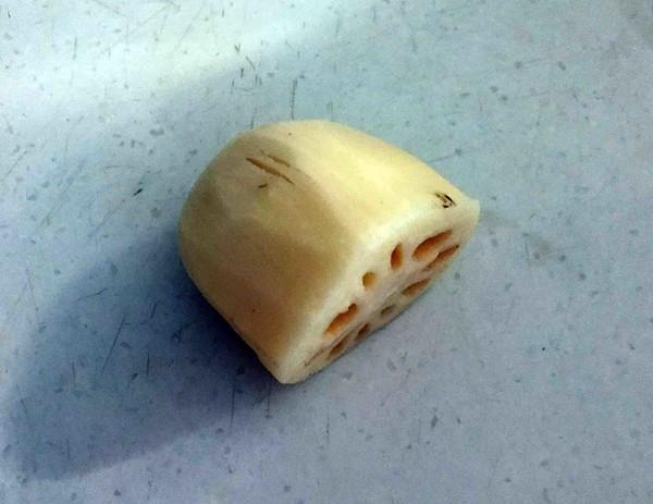 藕丁虾饼的家常做法